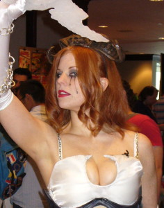 Liana Kerzner at Comic Con 2008, dressed as Dawn. Picture via Wikimedia Commons.